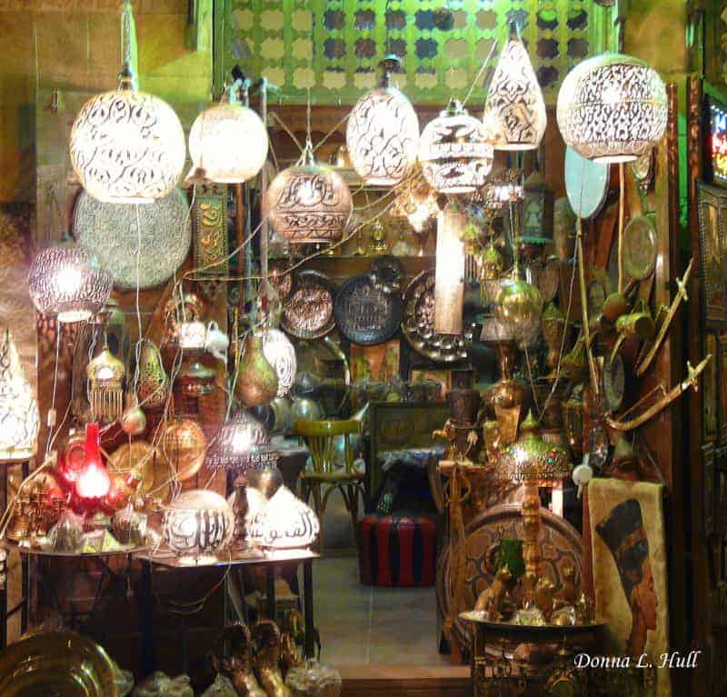 khan-el-kahili-market-light-shop