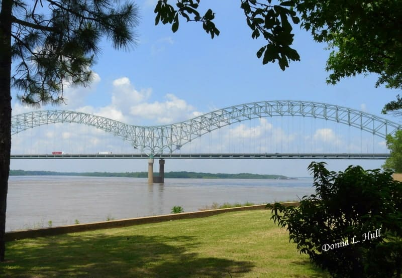 mud-island-mississippi-river