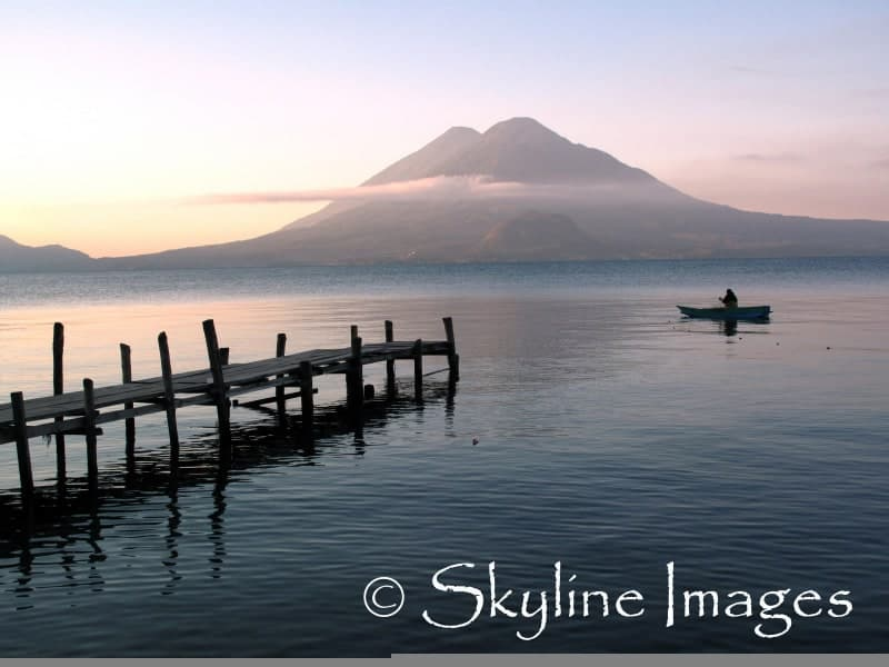 guatemala-volcano-lake-photo