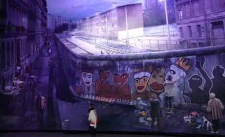 The Wall by Yadegar Asisi