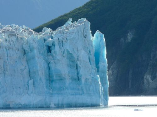 Visiting Hubbard Glacier by Cruise Ship
