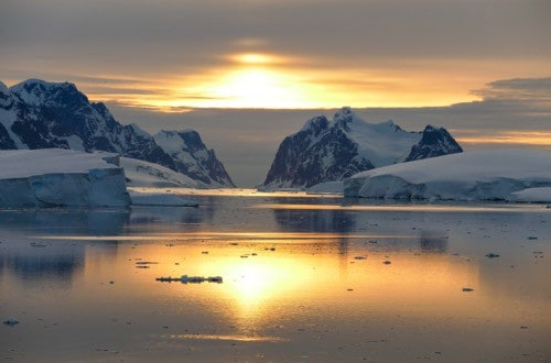 Sunset in Neumayer Channel