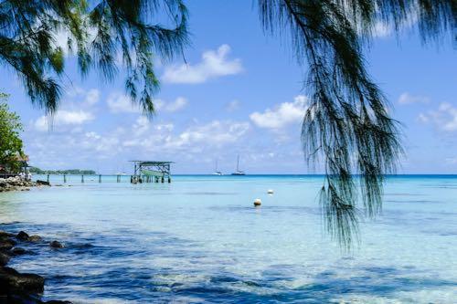 Exploring Fakarava French Polynesia on an independent cruise excursion