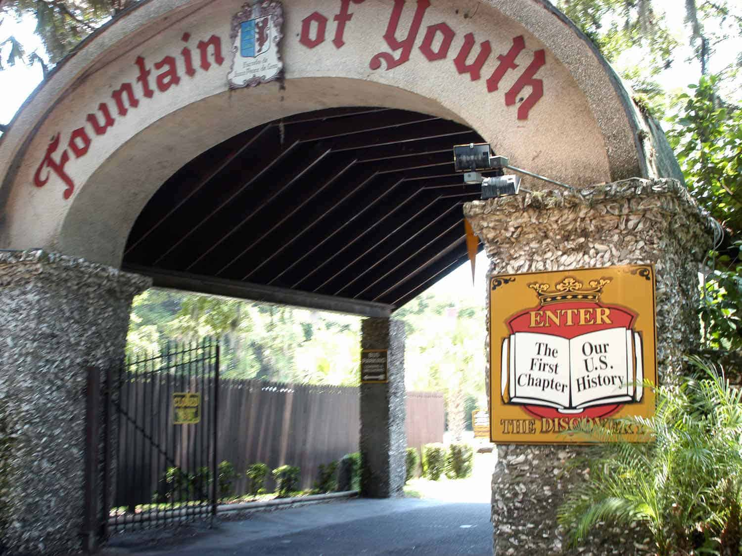 """Arch that reads """"Fountain of Youth"""""""